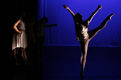 01  Just Us Dance Company  Picture Perfect  001 (Jui-Wei Hung)