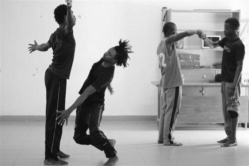 Residence Koubri 16 Choreography Avatâra Ayuso ©Margo Tamize